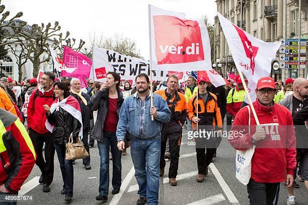 warnung strike und demonstration für höhere löhne in öffentlichen serv - gewerkschaft stock-fotos und bilder