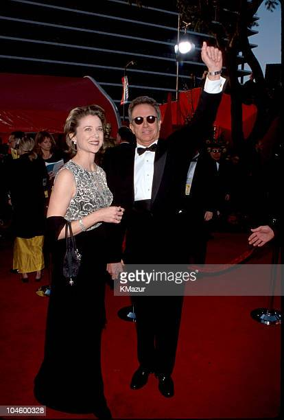 Warren Beatty Annette Bening during 71st Annual Academy Awards Arrivals at Dorothy Chandler Pavilion in Los Angeles California United States