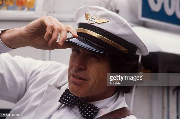 Warren Beatty dressed as the Good Humor Man for the movie 'Ishtar' 1987