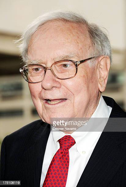 Warren Buffett attends The Film Society Of Lincoln Center And AMC Celebration Of Breaking Bad Final Episodes at The Film Society of Lincoln Center...
