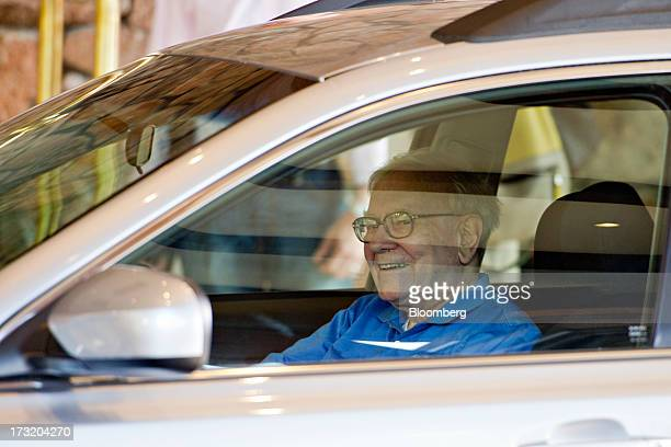 Warren Buffett chairman and chief executive officer of Berkshire Hathaway Inc arrives at the Allen Co Media and Technology Conference in Sun Valley...