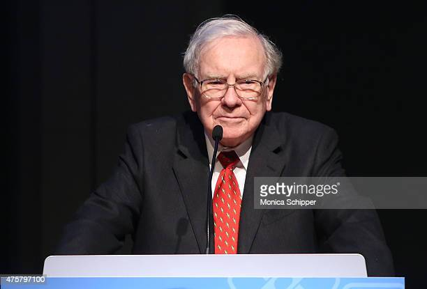 Warren Buffett speaks at the Forbes' 2015 Philanthropy Summit Awards Dinner on June 3 2015 in New York City