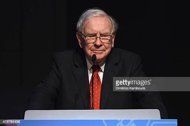 Warren Buffett speaks during the Forbes' 2015 Philanthropy Summit Awards Dinner on June 3 2015 in New York City