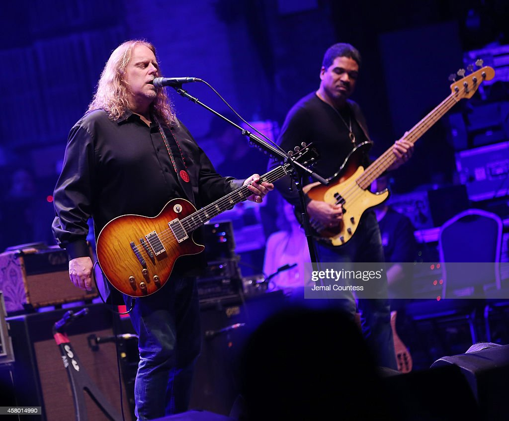 Warren Haynes and Oteil Burbridge of The Allman Brothers Band perform at The Beacon Theatre on October 28, 2014 in New York City.