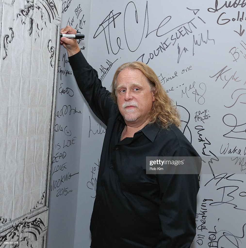 Warren Haynes attends the AOL BUILD Speaker Series: Warren Haynes Discusses His New Album 'Ashes And Dust' at AOL Studios In New York on September 2, 2015 in New York City.