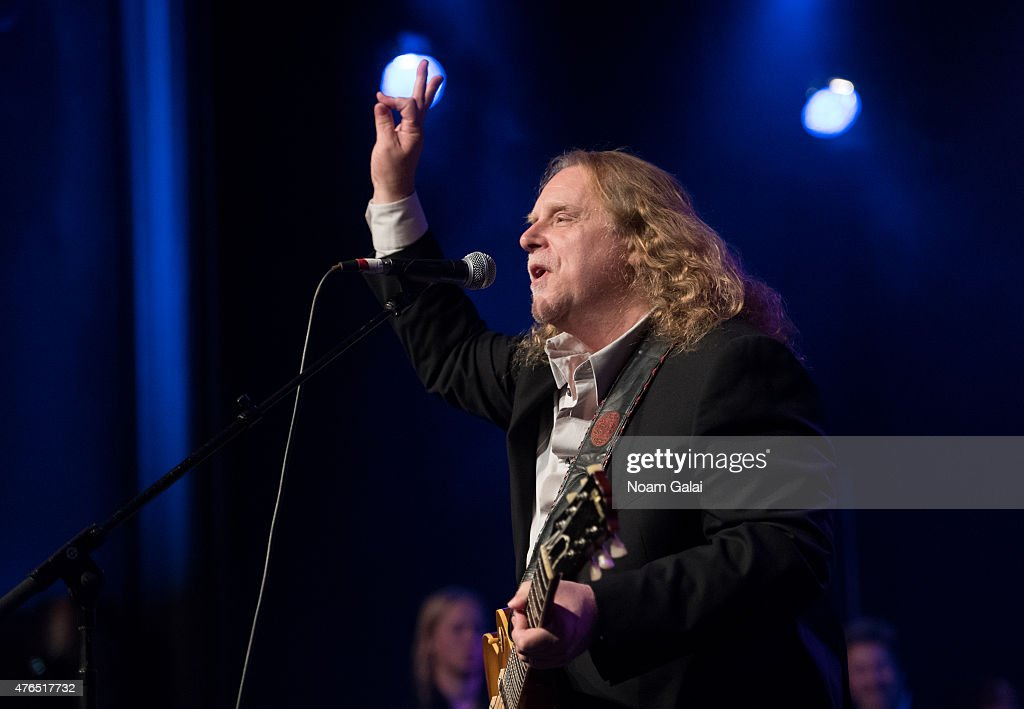 Warren Haynes performs during Les Paul's 100th anniversary celebration at Hard Rock Cafe - Times Square on June 9, 2015 in New York City.