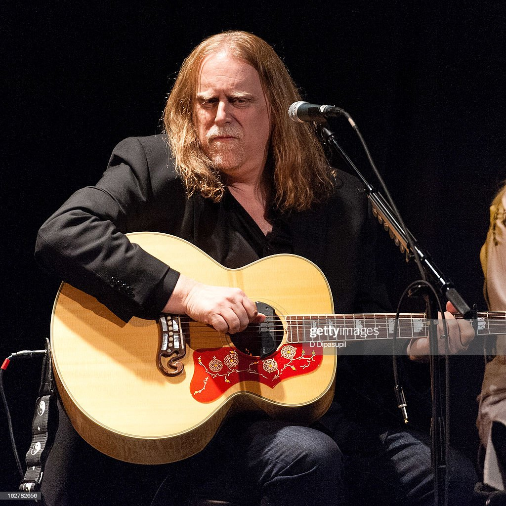 Warren Haynes performs on stage during the All For The Hall New York concert benefiting the Country Music Hall Of Fame at Best Buy Theater on February 26, 2013 in New York City.
