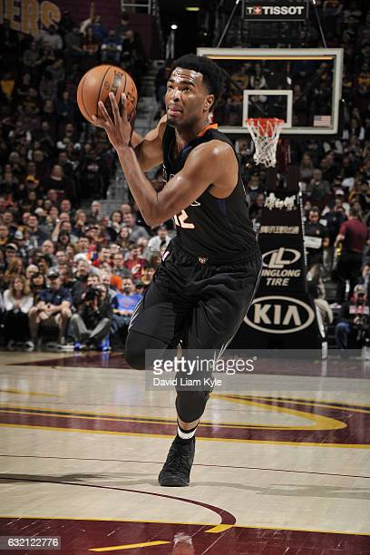 Warren of the Phoenix Suns drives to the basket against the Cleveland Cavaliers on January 19 2017 at Quicken Loans Arena in Cleveland Ohio NOTE TO...