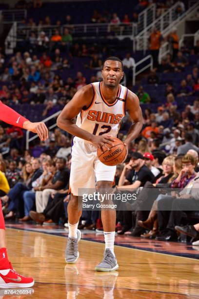 Warren of the Phoenix Suns handles the ball against the Chicago Bulls on November 19 2017 at Talking Stick Resort Arena in Phoenix Arizona NOTE TO...