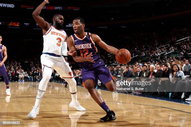 Warren of the Phoenix Suns handles the ball against the New York Knicks on November 3 2017 at Madison Square Garden in New York City New York NOTE TO...