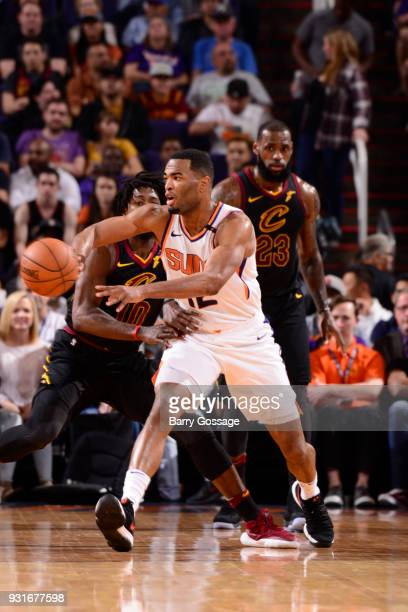 Warren of the Phoenix Suns passes the ball against the Cleveland Cavaliers on March 13 2018 at Talking Stick Resort Arena in Phoenix Arizona NOTE TO...
