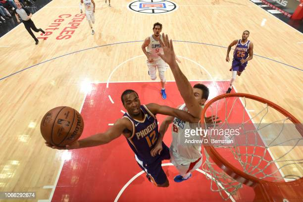Warren of the Phoenix Suns shoots the ball against the LA Clippers on November 28 2018 at STAPLES Center in Los Angeles California NOTE TO USER User...