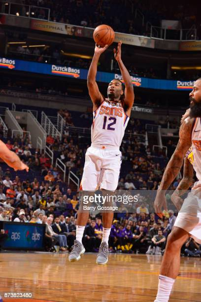 Warren of the Phoenix Suns shoots the ball against the Los Angeles Lakers on November 13 2017 at Talking Stick Resort Arena in Phoenix Arizona NOTE...