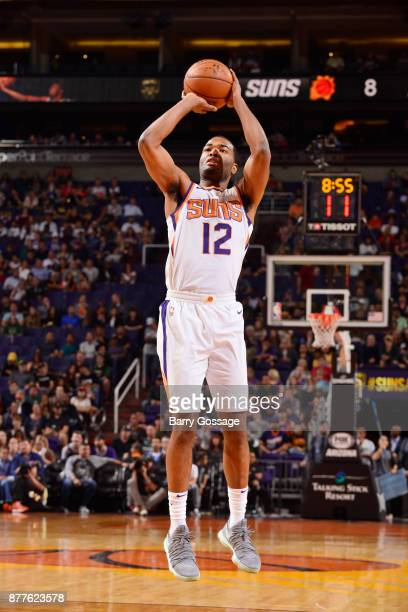 Warren of the Phoenix Suns shoots the ball against the Milwaukee Bucks on November 22 2017 at Talking Stick Resort Arena in Phoenix Arizona NOTE TO...