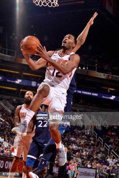Warren of the Phoenix Suns shoots the ball during the game against the Minnesota Timberwolves on November 11 2017 at Talking Stick Resort Arena in...