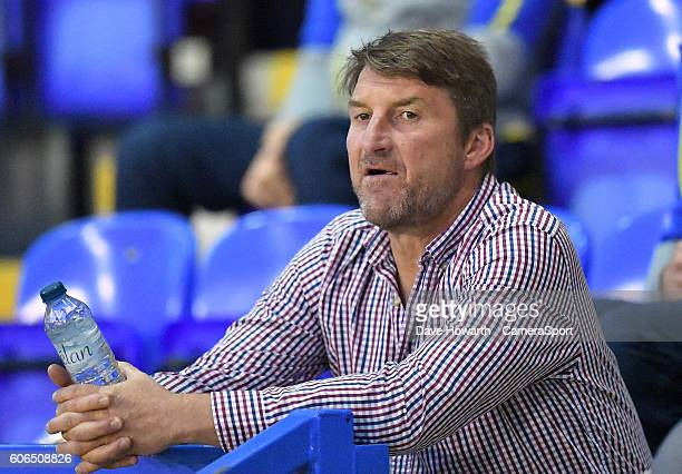 Warrington Wolves' Head Coach Tony Smith during the First Utility Super League Super 8s Round 6 match between Warrington Wolves and Wigan Warriors at...