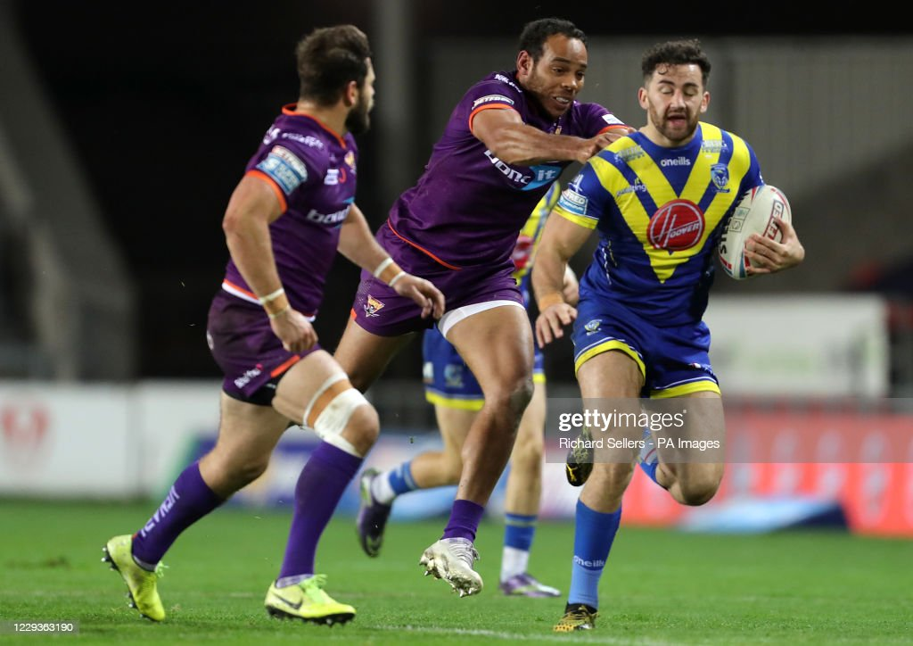Warrington Wolves v Huddersfield Giants - Betfred Super League - Totally Wicked Stadium : News Photo