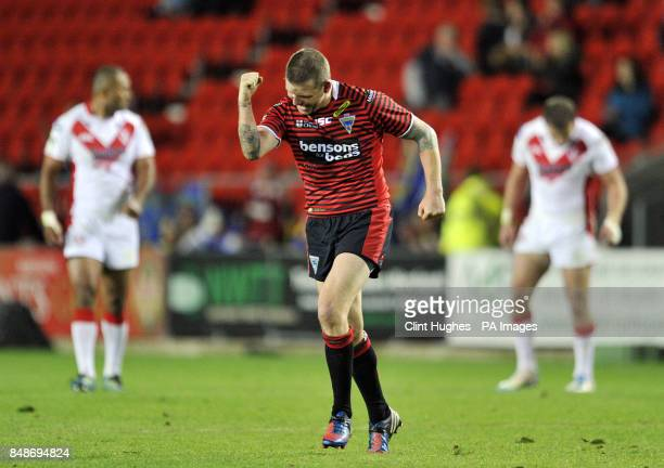 Warrington Wolves's Lee Briers celebrates after the final whistle of the Stobart Super League Semi Final Langtree Park St Helens