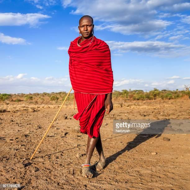 guerrier de maasai tribe, kenya, afrique - guerrier massai photos et images de collection