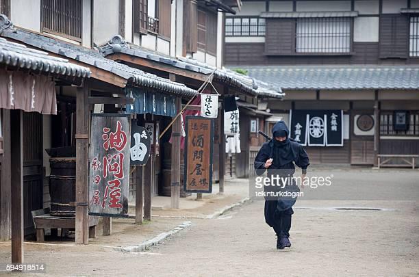 warrior ninja costume man in toei studios at kyoto japan - ninja fotografías e imágenes de stock
