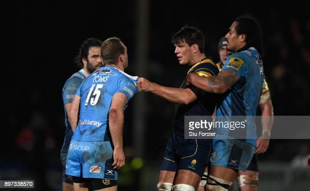 Warriors captain Donncha O' Callaghan gets to grips with Greig Tonks during the Aviva Premiership match between Worcester Warriors and London Irish...