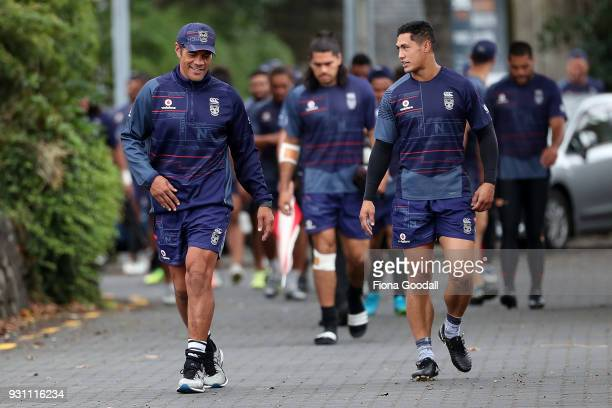 Warriors Coach Stephen Kearney and captain Roger TuivasaSheck during a New Zealand Warriors NRL training session at Mt Smart Stadium on March 13 2018...