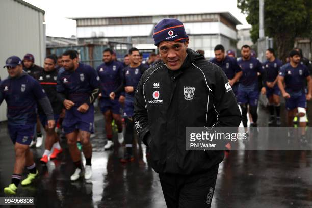 Warriors coach Stephen Kearney arrives for a New Zealand Warriors NRL training session at Mount Smart Stadium on July 10 2018 in Auckland New Zealand