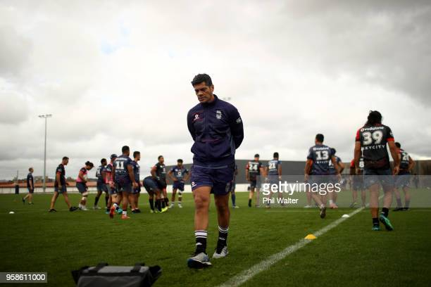 Warriors coach Stephen Kearney during a New Zealand Warriors NRL training session at Mt SMart Stadium on May 15 2018 in Auckland New Zealand