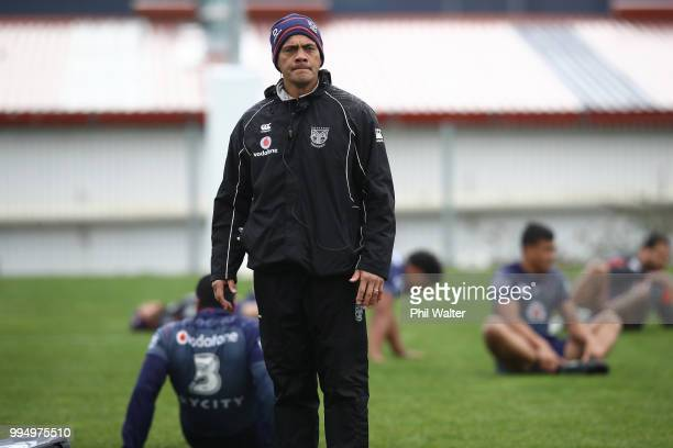 Warriors coach Stephen Kearney during a New Zealand Warriors NRL training session at Mount Smart Stadium on July 10 2018 in Auckland New Zealand