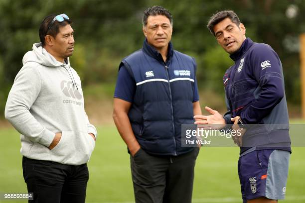 Warriors coach Stephen Kearney speaks with Auckland rugby coaching staff Alama Ieremia and Filo Tiatia during a New Zealand Warriors NRL training...