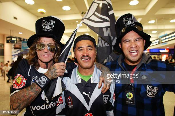 Warriors fans wait as the New Zealand Warriors arrive at Sydney International Airport on September 28 2011 in Sydney Australia The Warriors will play...
