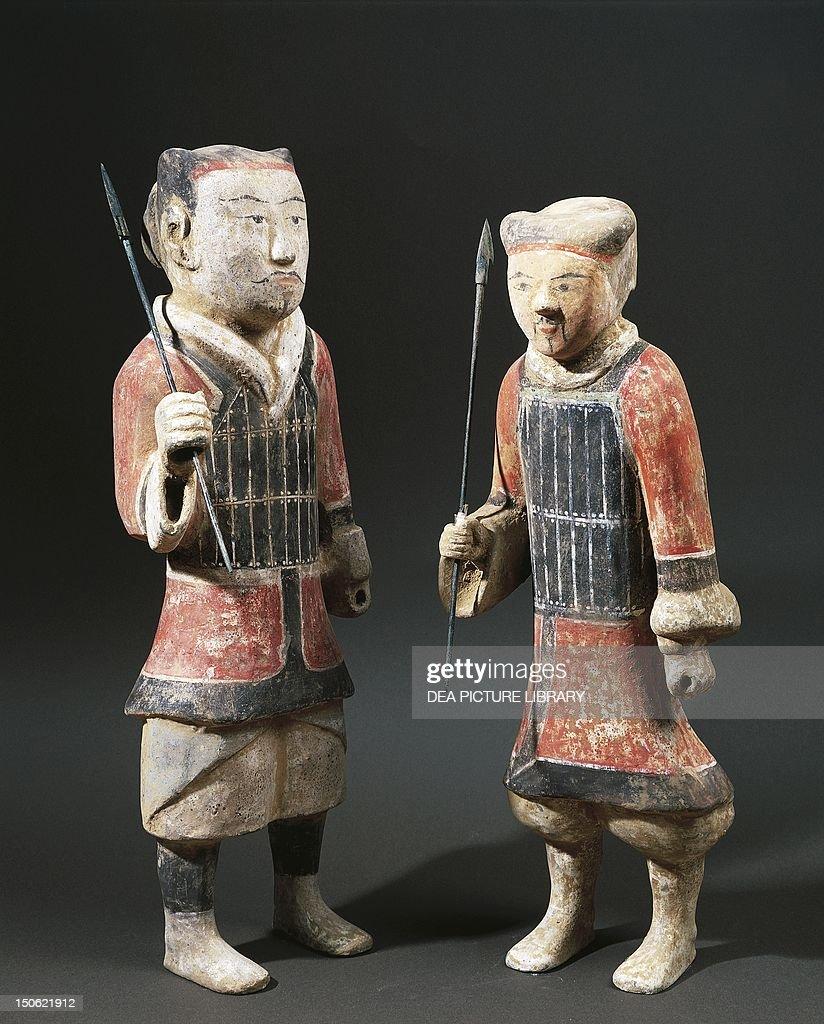 Warriors with spears : Nachrichtenfoto