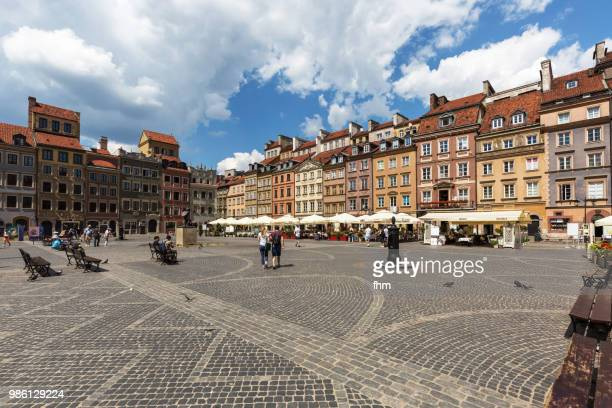 warsaw old town - market square (warsaw, poland) - warsaw stock pictures, royalty-free photos & images