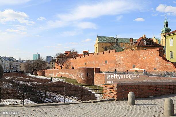 warsaw old town wall and castle - pejft stock pictures, royalty-free photos & images