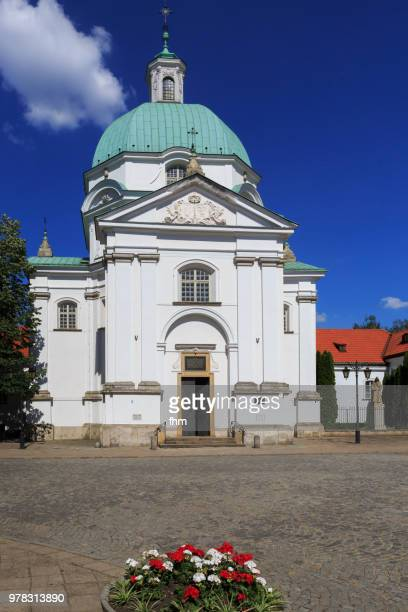 warsaw old town with monastery church (warsaw, poland) - monastery warsaw stock pictures, royalty-free photos & images