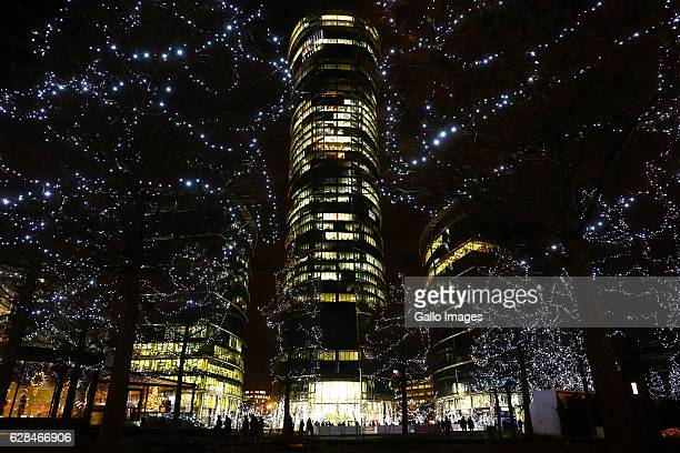 Warsaw Spire skyscraper seen during the Kocham Warszawe Swiatecznie Christmas Market on December 06, 2016 at Plac Europejski in Warsaw, Poland. Main...