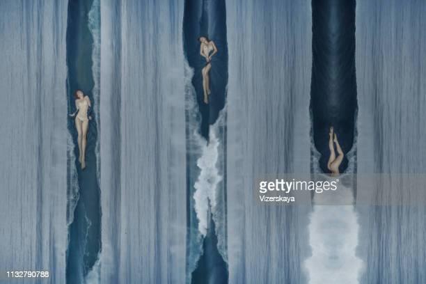 abrazos de verrugas del océano - mujer desnuda naturaleza fotografías e imágenes de stock