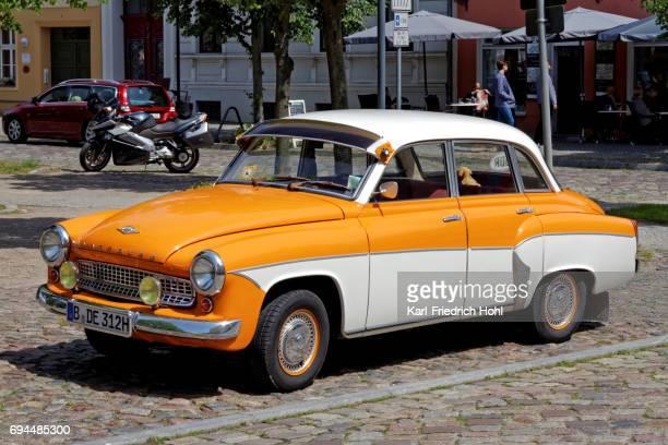 ヴァルトブルク ヴィンテージ クラシックカー - アイゼナッハ ストックフォトと画像
