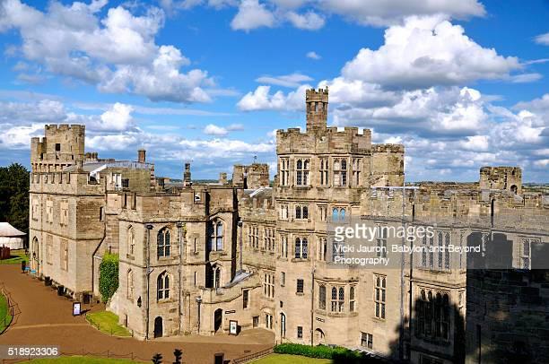 warwick castle panorama from above - warwick castle bildbanksfoton och bilder