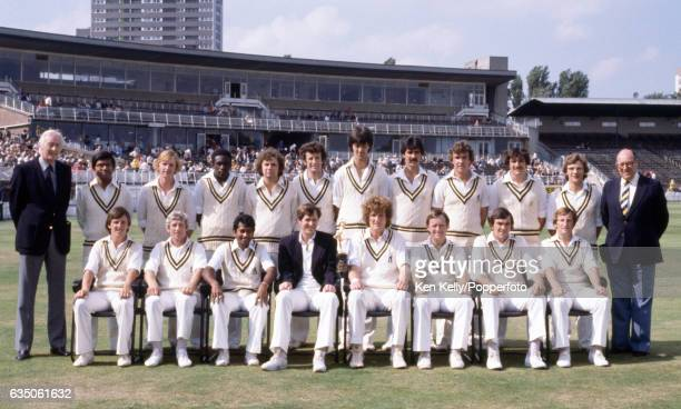 Warwickshire captain Bob Willis with his team the John Player League Trophy at Edgbaston Birmingham 7th September 1980 Back row left to right Alan...