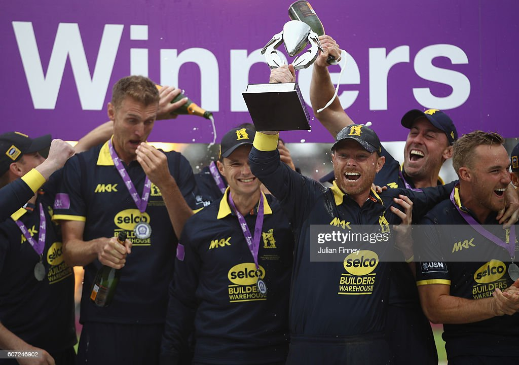 Warwickshire celebrate their win during the Royal London one-day cup final between Warwickshire and Surrey at Lord's Cricket Ground on September 17, 2016 in London, England.