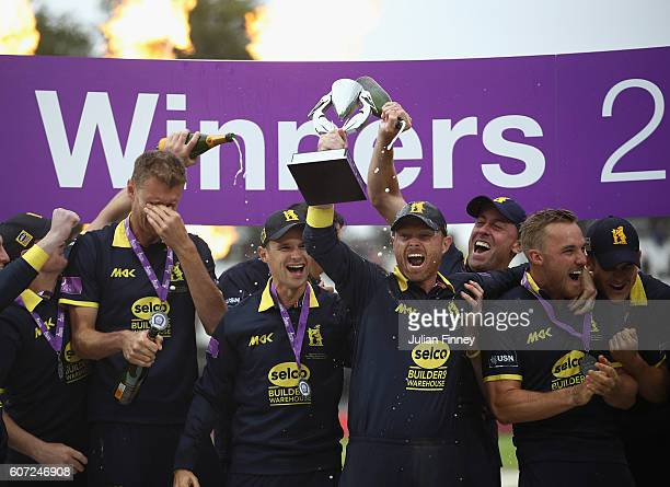 Warwickshire celebrate their win during the Royal London oneday cup final between Warwickshire and Surrey at Lord's Cricket Ground on September 17...