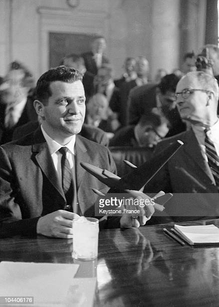 Washed by any suspicion the American pilot Gary Powers accused of espionage explains himself during a press conference in front of the army exemption...