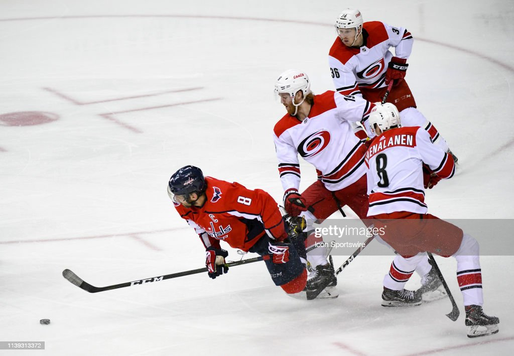 NHL: APR 24 Stanley Cup Playoffs First Round - Hurricanes at Capitals : News Photo