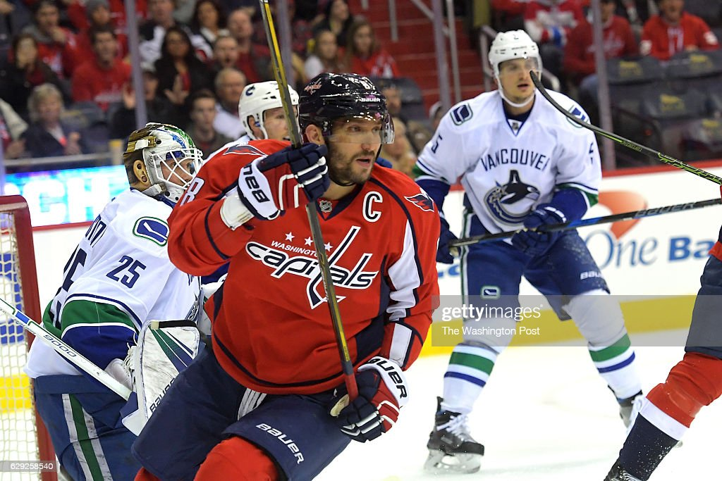 Vancouver at Washington in NHL action : Nachrichtenfoto