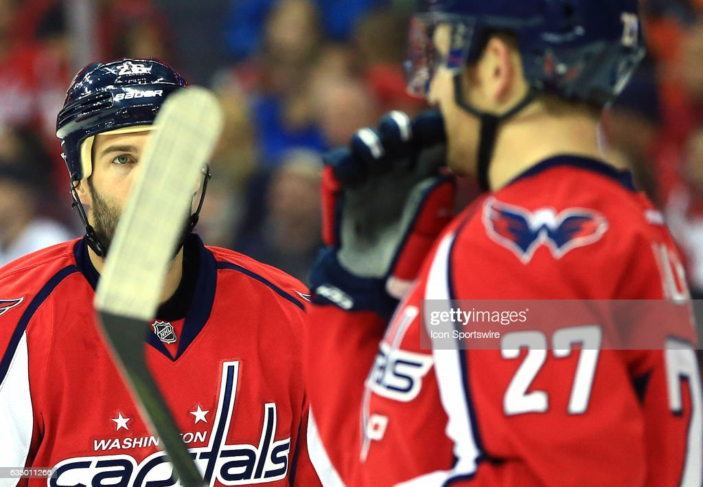 Washington Capitals left wing Daniel Winnik (26) during a NHL game on February 11, 2017 at Verizon Center in Washington, DC. Capitals defeated the Anaheim Ducks 6-4.