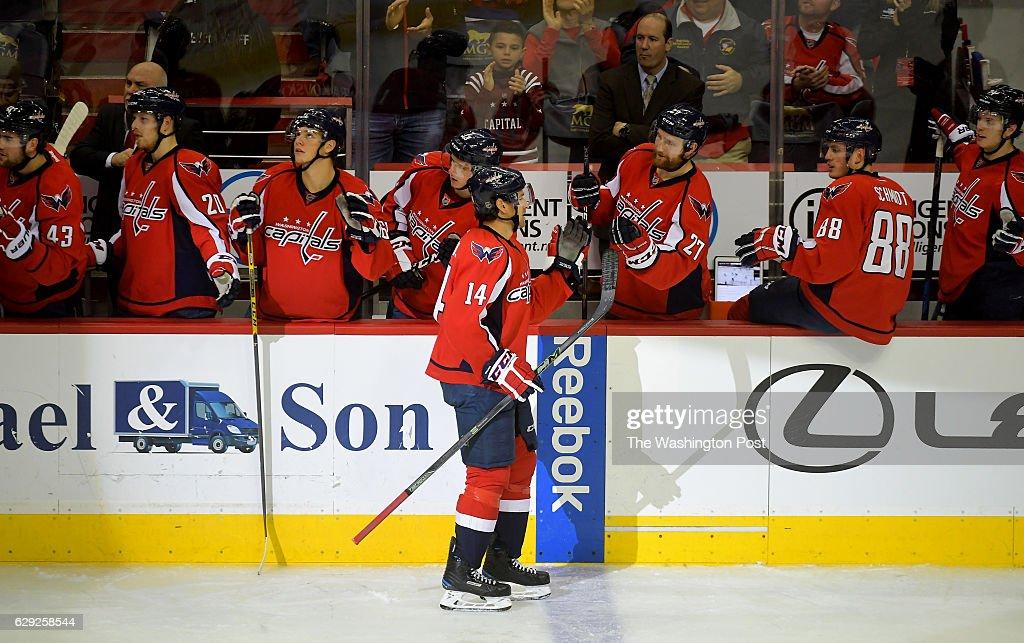 Vancouver at Washington in NHL action : Nachrichtenfoto