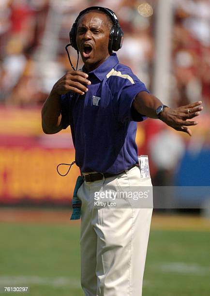 Washington coach Tyrone Willingham shouts during 26-20 loss to USC in Pacific-10 Conference game at the Los Angeles Memorial Coliseum in Los Angeles,...
