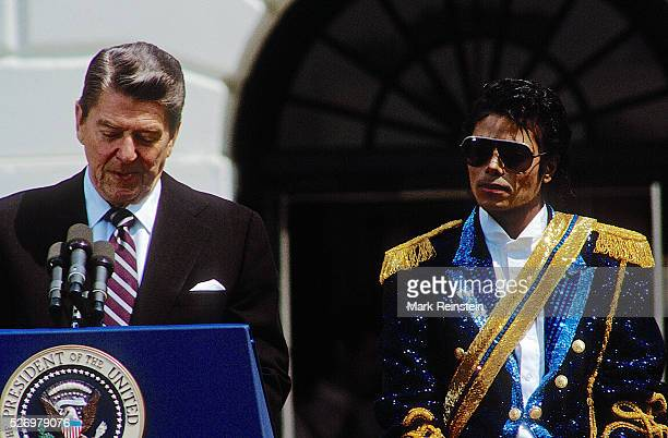 Washington DC 5141984 Michael Jackson with President Ronald Reagan and FIrst Lady Nancy Reagan at ceremony on the South Lawn of the White House where...