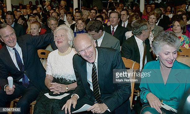 Washington DC 6141992 President George HW Bush and his wife Barbara attend the ABCTV Special A Festival at FORD'S on Flag Day Earlier that same day...